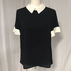 NWOT CeCe Black Pleated Sleeve Collared Blouse S
